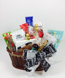 Medium Holiday Gourmet Basket