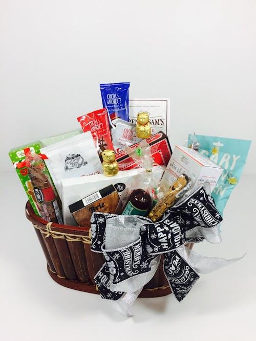 Medium Holiday Gourmet Basket